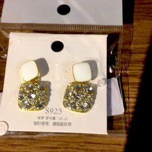NEW fashion earrings white gold sparkle